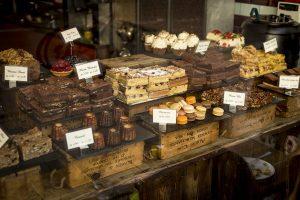 מגוון של שוקולדים