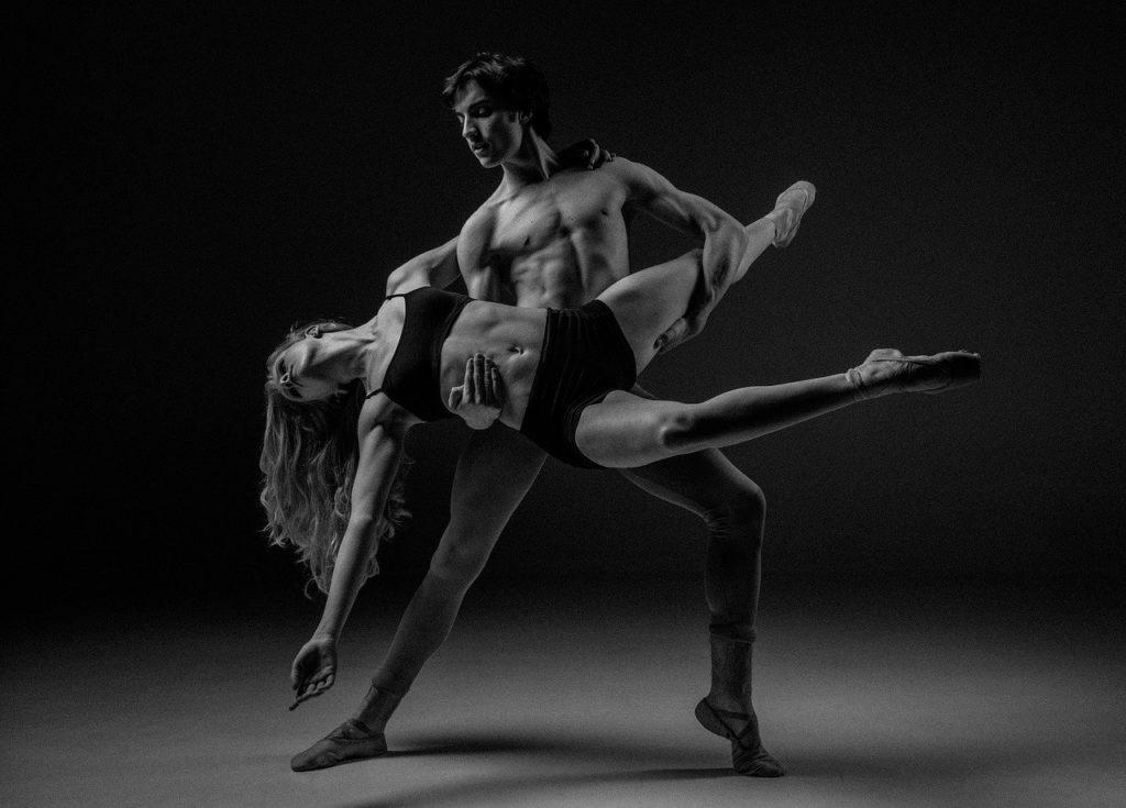 שני רקדנים